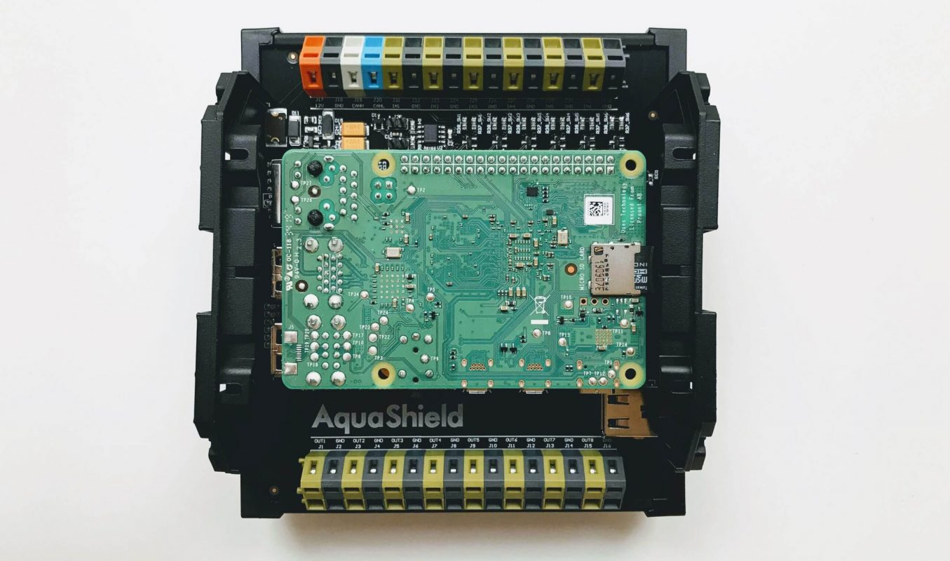 AquaShield_control_module_with_raspberrypi_attached